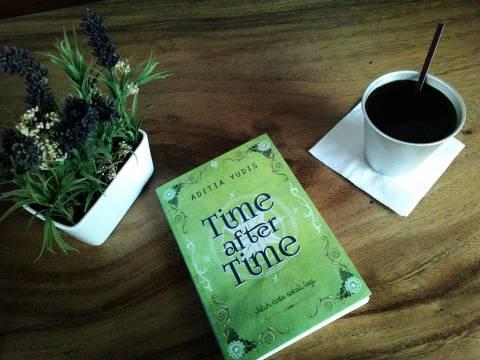 Time After Time sudah beredar di toko-toko buku dan online!